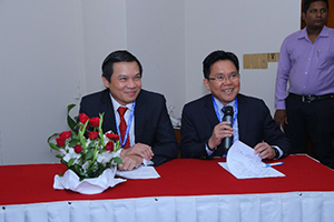 Photo of Dr Dung and Dr Rey